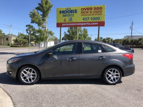 Pre-Owned 2015 Ford Focus SE Front Wheel Drive 4dr Car