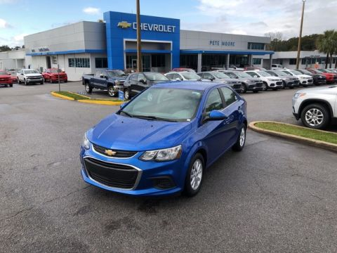 Pre-Owned 2017 Chevrolet Sonic LT Front Wheel Drive 4dr Car
