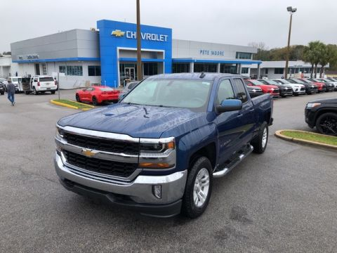 Pre-Owned 2017 Chevrolet Silverado 1500 LT Four Wheel Drive Standard Bed