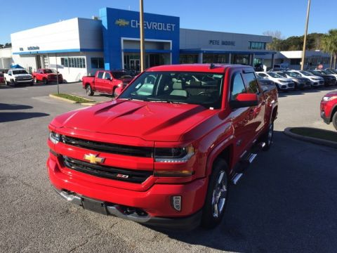 Pre-Owned 2017 Chevrolet Silverado 1500 LT Four Wheel Drive Short Bed