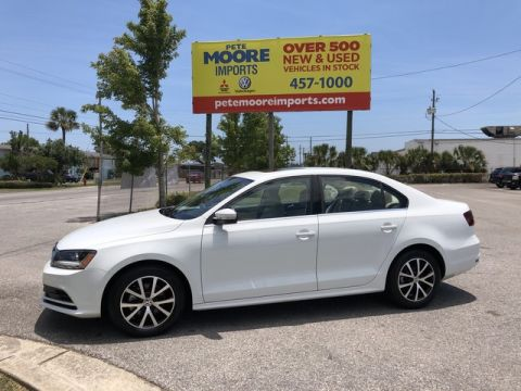 Pre-Owned 2017 Volkswagen Jetta 1.4T SE Front Wheel Drive Sedan