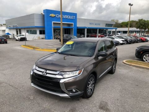 Pre-Owned 2018 Mitsubishi Outlander ES Front Wheel Drive SUV